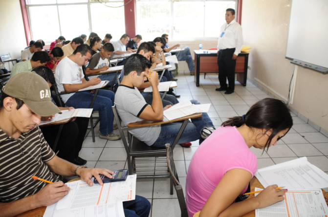 En Sinaloa deserta el 36% de los estudiantes de nivel superior y medio superior