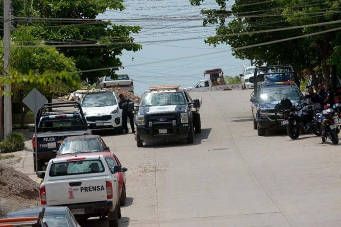 Muere presunto robacarros que mató a policía tras persecución
