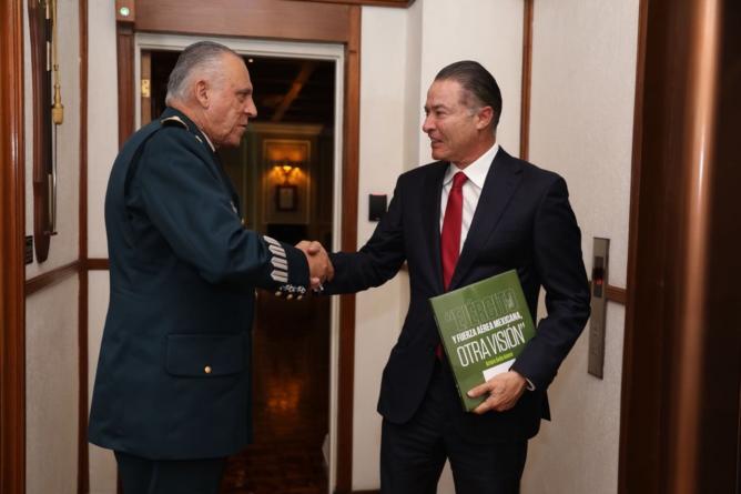 Quirino se reúne con Cienfuegos para revisar avance de la Base Militar El Sauz