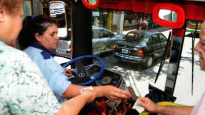 Ellas al volante | Buscan que más mujeres manejen camiones urbanos en Sinaloa