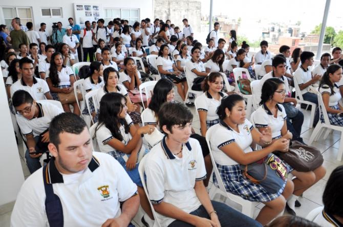 ¿Estudiante de 10? | Gánate una beca de excelencia