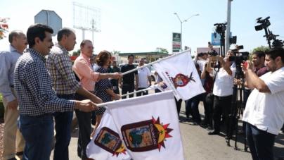 Dan banderazo a puente sobre el bulevar Rolando Arjona en Culiacán