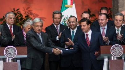 Efecto ESPEJO   ¿Un nuevo López Obrador o el mismo que anduvo en campaña?