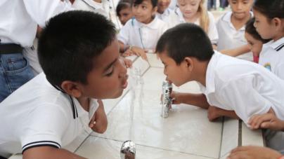 Verifican calidad de agua de bebederos en escuelas de Sinaloa
