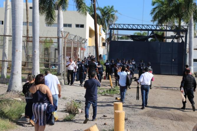 Custodios paran labores en penal de Aguaruto por malas condiciones para hacer su trabajo