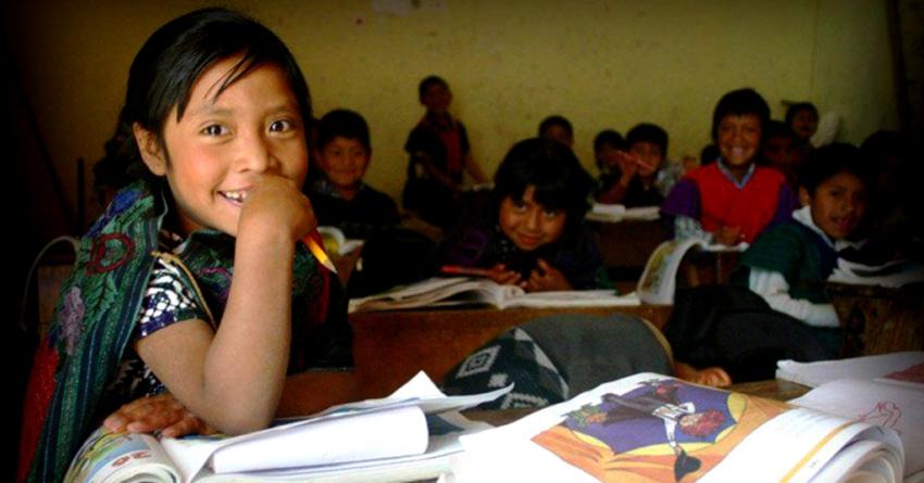 En México, la población indígena apenas alcanza a terminar la primaria