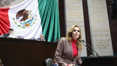 Luego de pasar su 'pack', Paola Gárate presenta iniciativa contra el 'sexting'