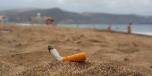 ¿Adivina qué? | Las colillas de cigarros contaminan más que los popotes…