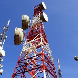 Proponen cobrar a compañías de internet por usar infraestructura de Telmex en México