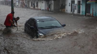 Llaman a tomar precauciones por las lluvias que traerá la onda tropical 35 a Sinaloa