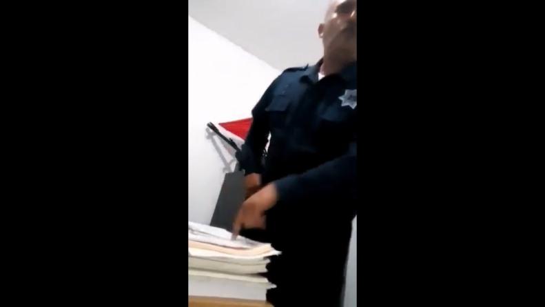 DENUNCIA | Suspenden dos meses a policía por no asistir a homenaje de los niños heroes