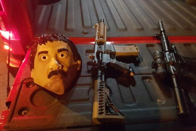 #HalloweenAlterado | Jóvenes culichis se disfrazan del Chapo Guzmán y son detenidos