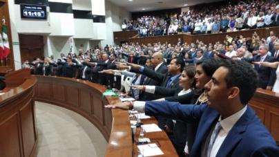 """Se instala 63 Legislatura en Sinaloa; """"ahora si está representado el pueblo"""", claman"""