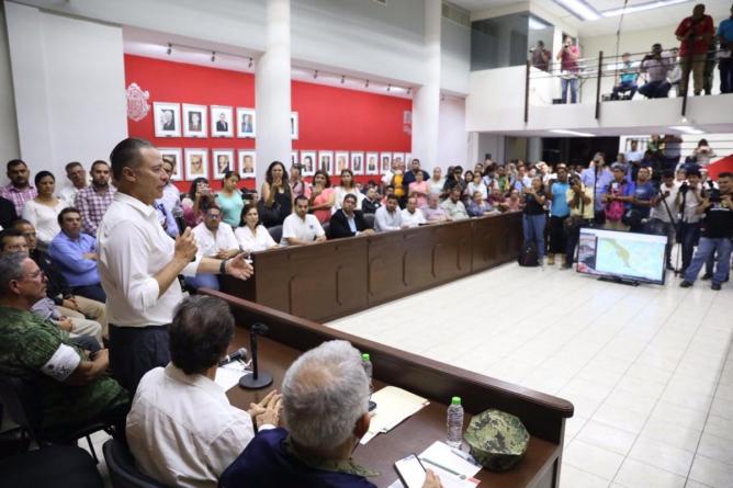 Reaccionan instituciones y gobierno ante amenaza del huracán Willa