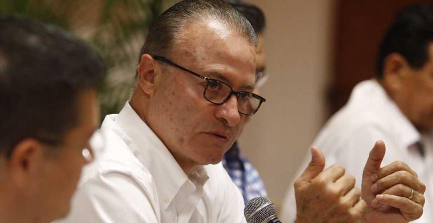 Aprueba Quirino cambio de NAIM a Santa Lucía