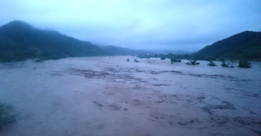 Se desborda el río Baluarte | Hay comunidades del Rosario incomunicadas