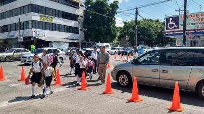 Padres de familia molestos con nuevo modelo de seguridad para escuelas