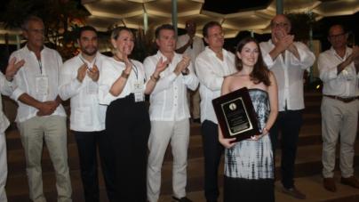 Sectur y Asociación de Hoteles entregan reconocimientos 'Golden Deer 2018' en Fiesta Amigos