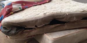 'Sí sabían que colchones no eran nuevos', dicen vecinos de proveedora en Guadalajara