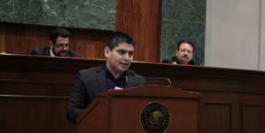 Diputado donará su aguinaldo para colegiaturas de estudiantes de bajos recursos