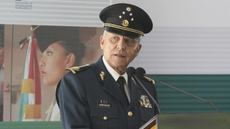 Legalización de la amapola podría ser un escape de la violencia en México: Cienfuegos