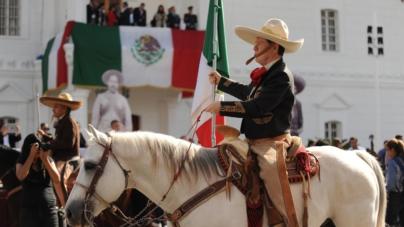 Más de 4 mil personas desfilan por el 108 aniversario de la Revolución Mexicana en Culiacán