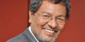 Eligen a Élmer Mendoza como presidente de El Colegio de Sinaloa