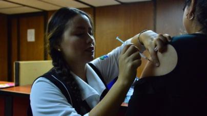 Invitan a aplicarse vacuna contra influenza; 'es segura y puede salvar vidas': secretario de salud