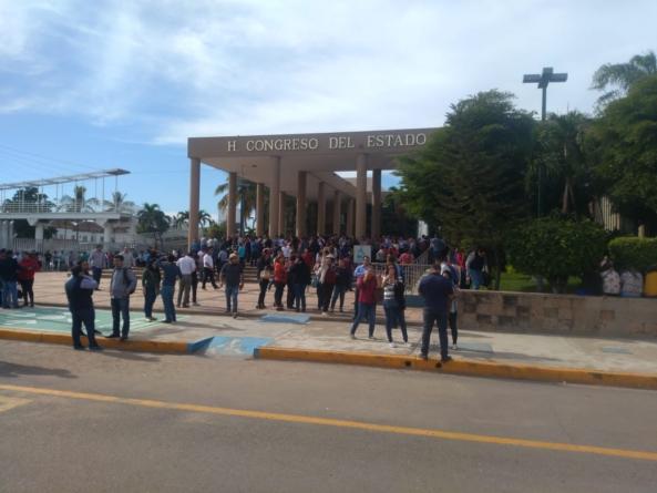 Universitarios truenan dos foros seguidos para analizar la Ley Orgánica de la UAS