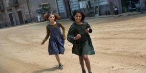 Reflexión cinéfila | 'My Brilliant Friend': un noble guión para una entrañable aventura