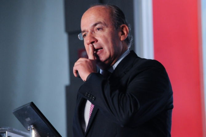 Felipe Calderón busca crear un partido político que sirva de contrapeso a Morena