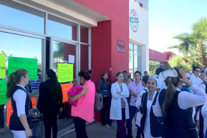 Paran labores en hospitales   Gobierno desvía retenciones de trabajadores, acusan afectados