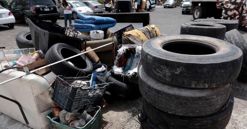 Descacharrización llega al Infonavit Humaya | Piden a vecinos sacar objetos que guarden humedad