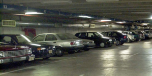 Estacionamientos no se dan abasto en el primer cuadro durante diciembre