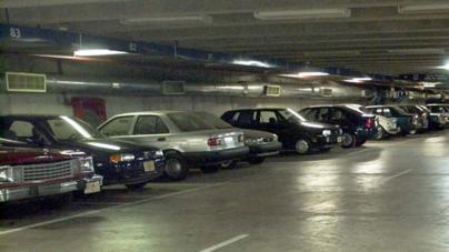 Estacionamientos públicos | El 'Lobo' se mueve solo con su iniciativa de ley