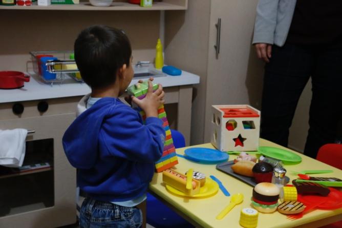 Instalan salón de juegos para hijos de presas en penal de Aguaruto