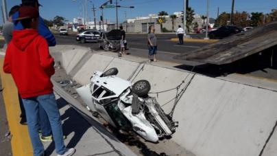 Se pasa el alto a exceso de velocidad, provoca choque y deja tres lesionados en Culiacán