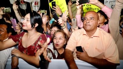 No era concierto | Como estrella de rock reciben culiacanenses a López Obrador
