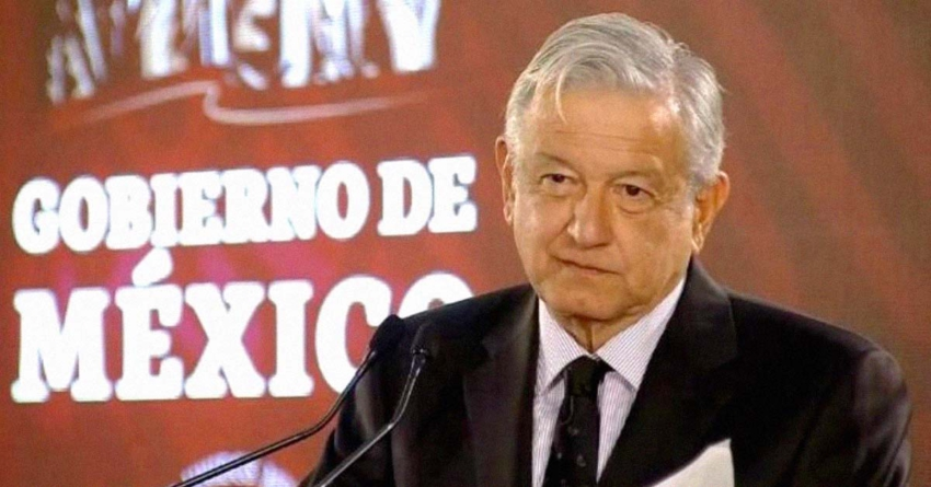 """AMLO pide a sus diputados en Sinaloa desterrar la práctica nefasta de los """"moches"""""""