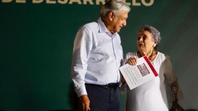 Gira AMLO | Arranca López Obrador programas de apoyos sociales en Culiacán