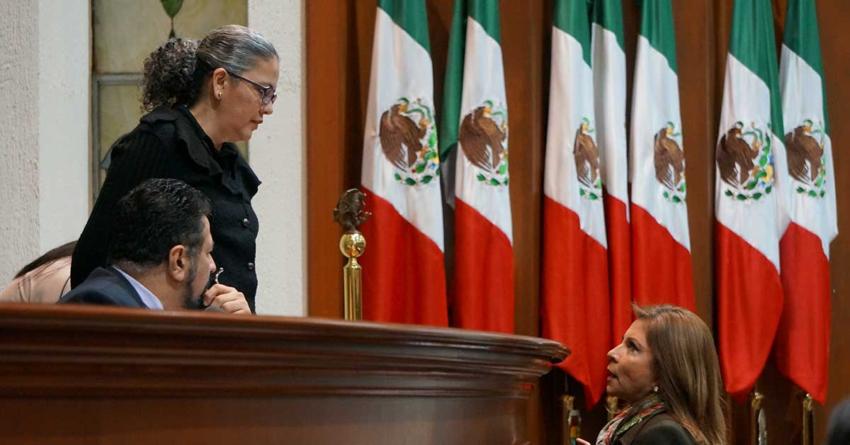 Efecto ESPEJO | Es lo constitucional: Legislativo y Ejecutivo insubordinados