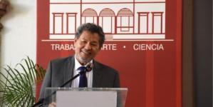 Toma posesión Élmer Mendoza como Presidente del Colegio de Sinaloa