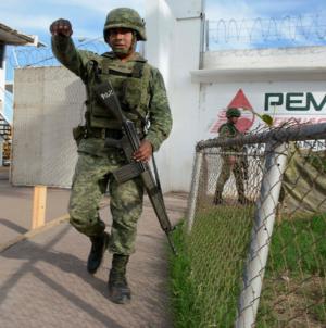 """""""Es totalmente correcta la forma en que se ataca el problema del huachicol"""": Imelda Castro"""