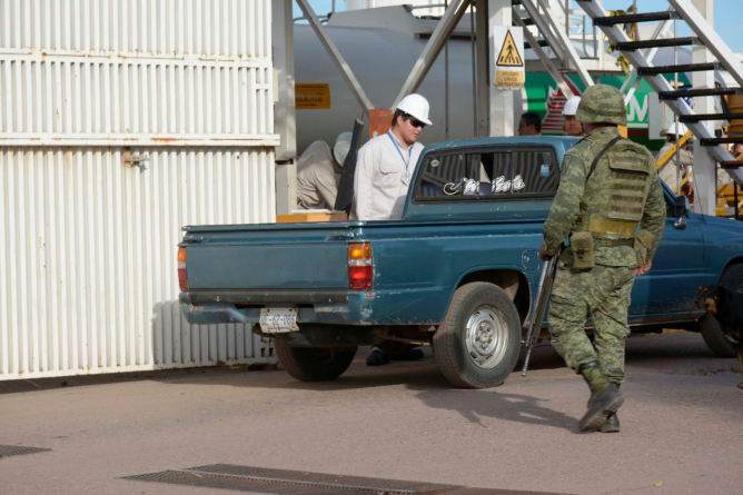 Inicia blindaje militar en Pemex contra el huachicol en Sinaloa