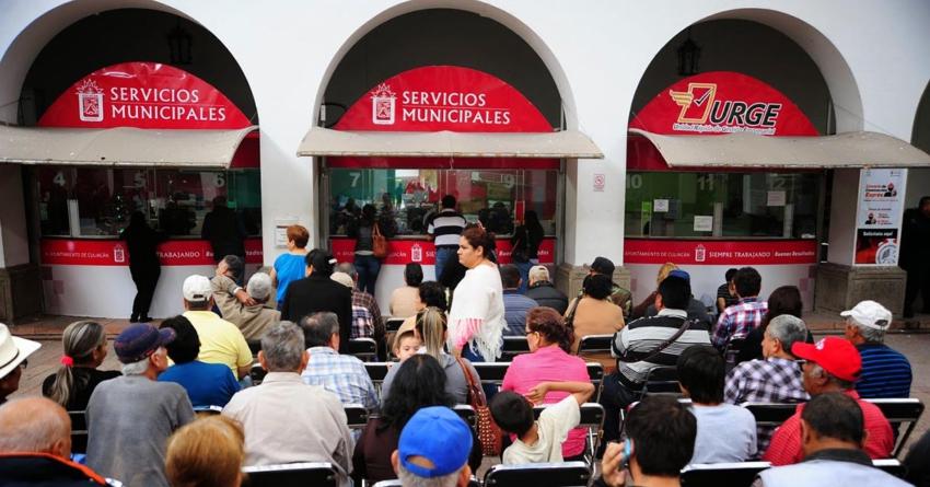Jubilados señalan caos de registro para pagar el predial en Culiacán