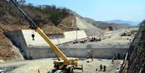 Gira AMLO | Garantiza López Obrador la conclusión de la presa Santa María