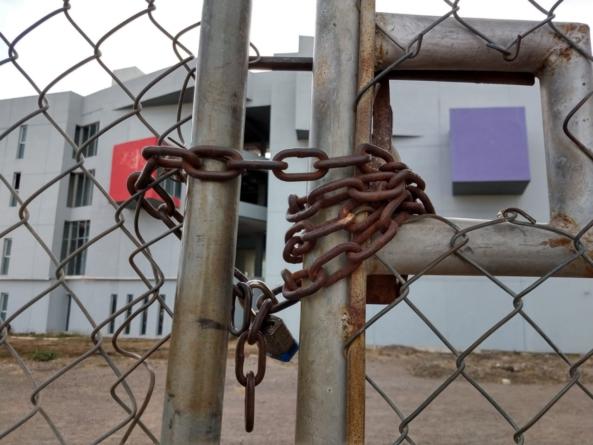 Tras 2 años en el abandono, reinician construcción de la biblioteca Gilberto Owen