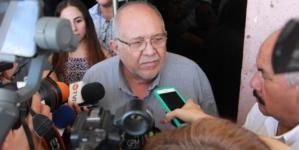 'Pisando callos' |  'Químico' Benítez no permitirá más bloqueos de taxistas en Mazatlán