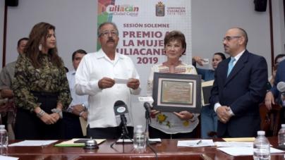 Ana Maida es la Mujer culiacanense 2019 | Reconocen 30 años al rescate de animales callejeros