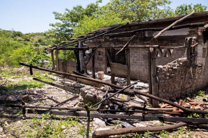 Casas de palabras | Entrega de vivienda a desplazados por violencia se atora en gestiones